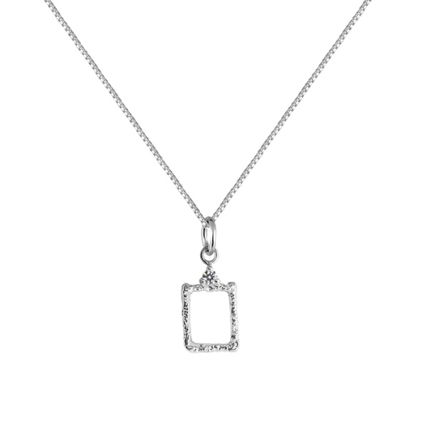 LADY FRAME NECKLACE SILVER i gruppen SHOP hos EMMA ISRAELSSON (neck070)